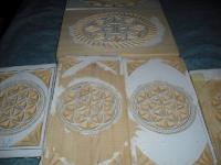 piezas de caja recien talladas